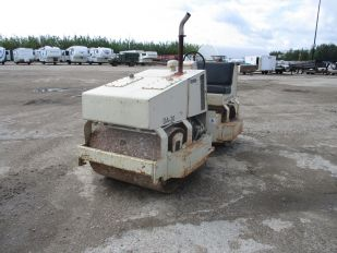INGERSOLL RAND DA-30 SMOOTH DRUM ROLLER