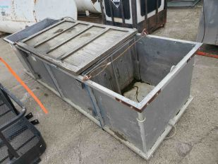 LOT CABLED EQUIPMENT BASKET