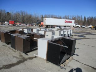 LOT OF 18 METAL OFFICE DESKS (NOT TO BE RECONSIGNED)