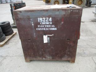 LOT OF METAL JOB BOX