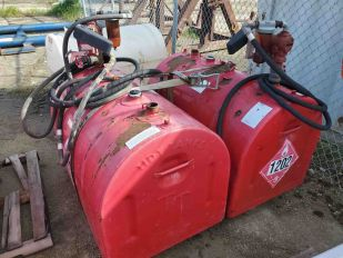SKID 2 SLIP TANKS W/ ELECTRIC PUMP