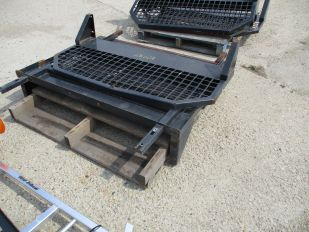 SKID OF BACK GUARDS FOR BOBCAT TOOL CAT 3