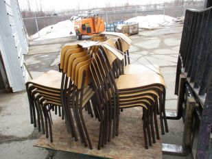 SKID OF WOODEN CHAIRS