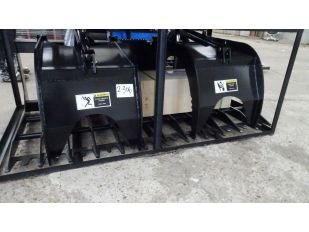 UNUSED 72INCH SKID STEER SKELETON GRAPPLE W 2 HYDRAULIC CYLINDERS