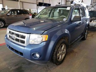 2010 FORD ESCAPE XLT 4D Utility 4WD
